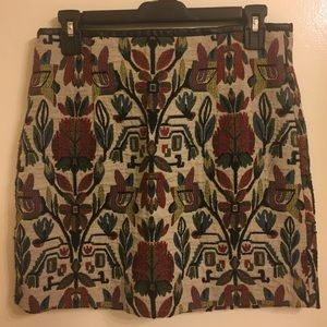 Zara Women Embroidered Skirt. Size M.